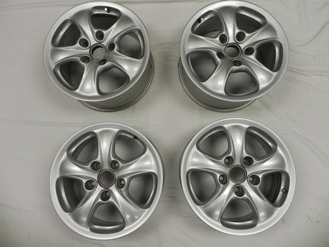 (Used) 996 Set of Four Disc Wheels 7j x 17 Front and 9j x 17 Rear - 1999-2005