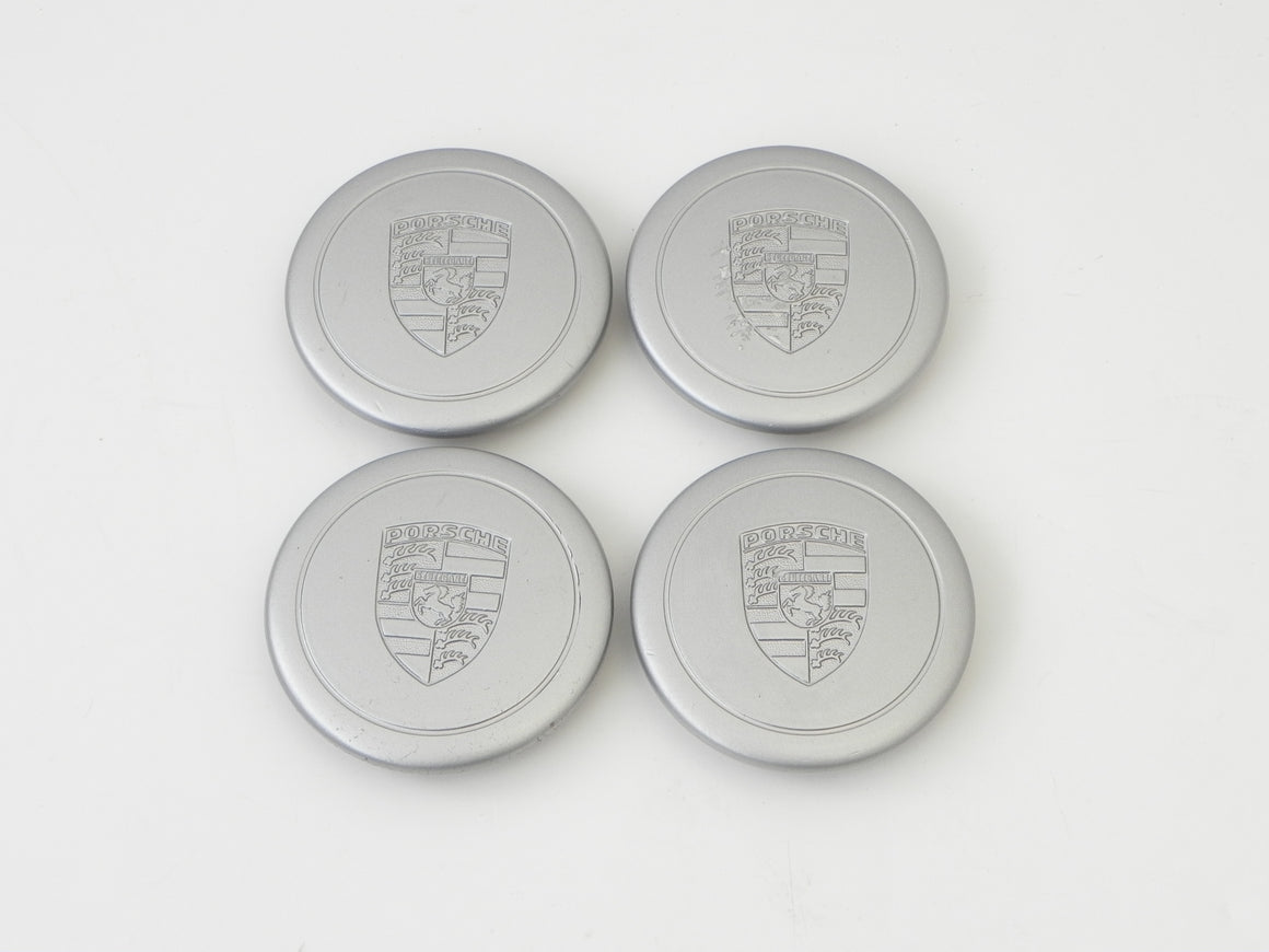 (Used) 911/930/944 Complete Set of 4 Silver Center Cap with Ring Clip w/o Access Holes - Fuchs Wheel - 1974-89