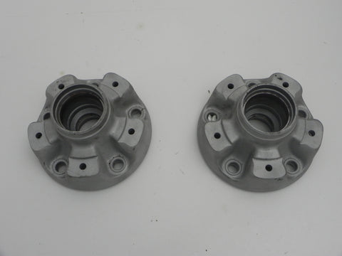(Refurbished) 911/912/914-6 Pair of Front Wheel Hubs - 1968-73