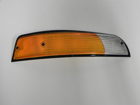 (Used) 911 Black Trim Euro Front Right Amber/Clear Turn Signal Lens - 1973