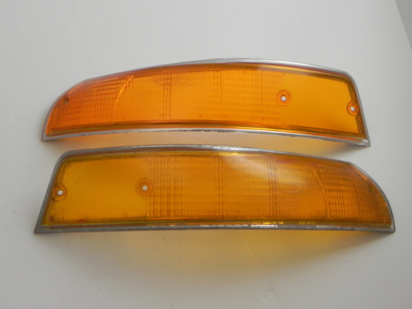 (Used) 911/912 Bosch Front Pair of USA Turn Signal Lenses with Silver Trim - 1969-72