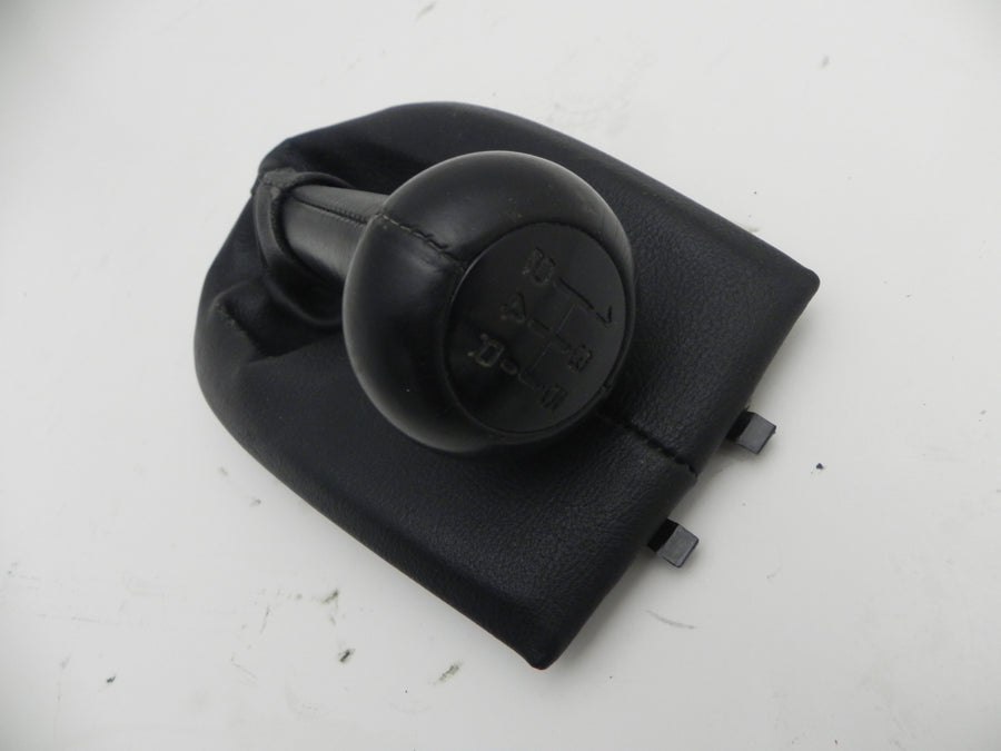 (Used) 986/996 5-Speed Black Gear Shift Boot and Knob - 1997-2005