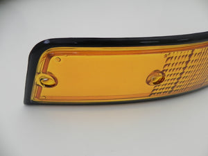 (Used) 911 Right Front USA Turn Signal Lens with Black Trim - 1973