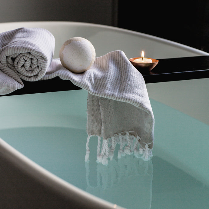 5 LUXURY BATH ITEMS YOU NEED