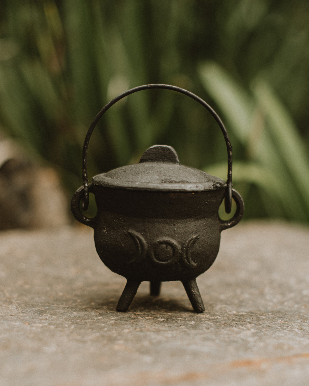 Itty Bitty Three Moons cauldron