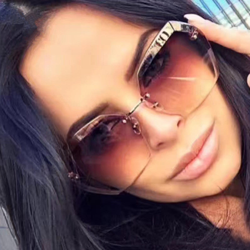 Luxury Vintage Rimless Oversized Retro Female Sunglass