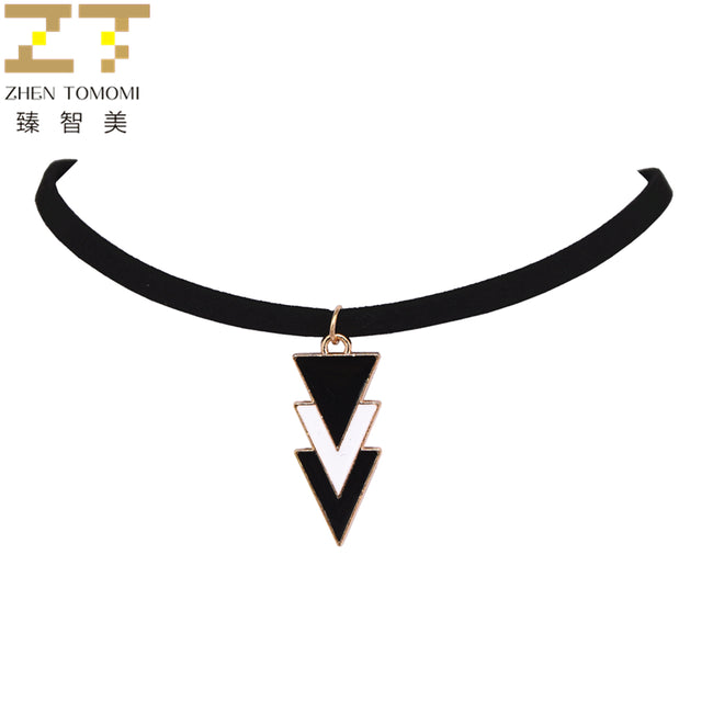 Three Layers Of Black White Triangles Pendants Velvet Leather Chokers Necklaces