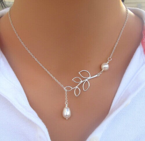 Silver plated Chain with Pearl Short Neckace