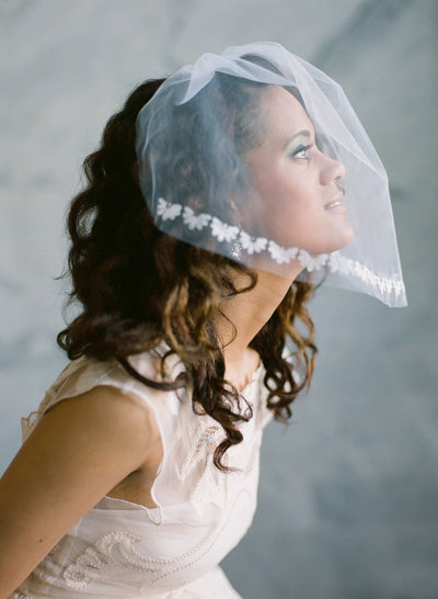 Scallop Edge Blusher Veil - #303
