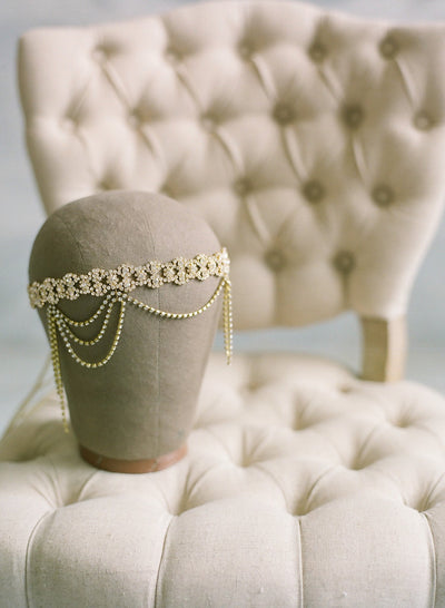 Danani Style #210 | Detail of flapper draped crystal 1920s halo forehead headband in gold for a Gatsby wedding | Loblee Photography