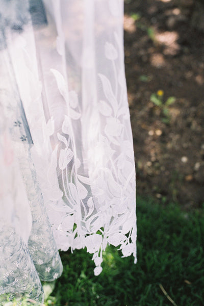 Tulip Embroidered Juliet Veil - Style #313