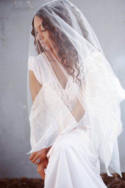 Danani | Organza Point Drop Veil - Style #323 | Loblee Photography