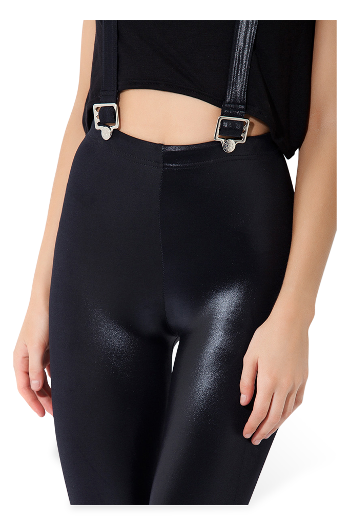 Junlan wide-leg leggings are made with a quick-dry technology that keeps you cool and stops microbes from forming — but the loose-fitting legs also allow for optimal ventilation and a full range of movement during poses.