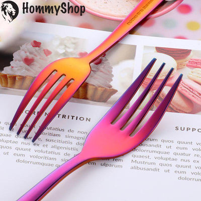 Magic red cutlery set