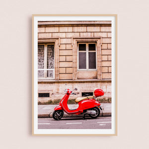 Vespa Rouge | Paris, France