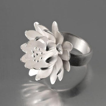 Large Waterlily Ring - Goldmakers Fine Jewelry