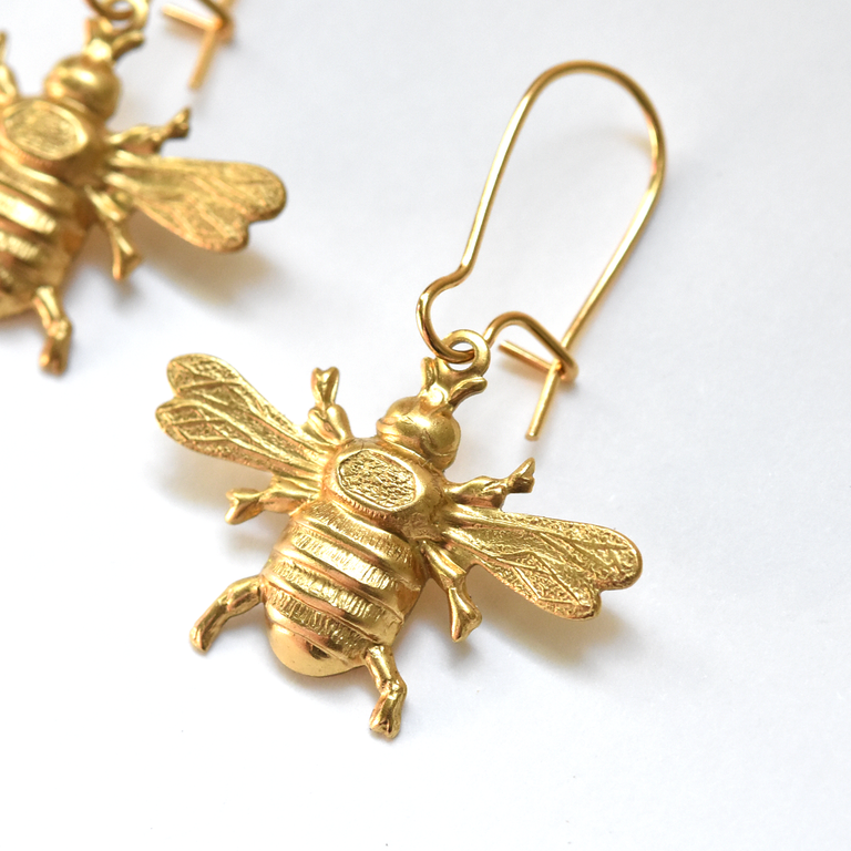 Wee Bee Earrings - Goldmakers Fine Jewelry