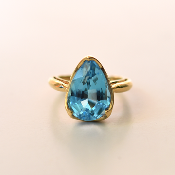Blue Topaz Ring in Gold - Goldmakers Fine Jewelry