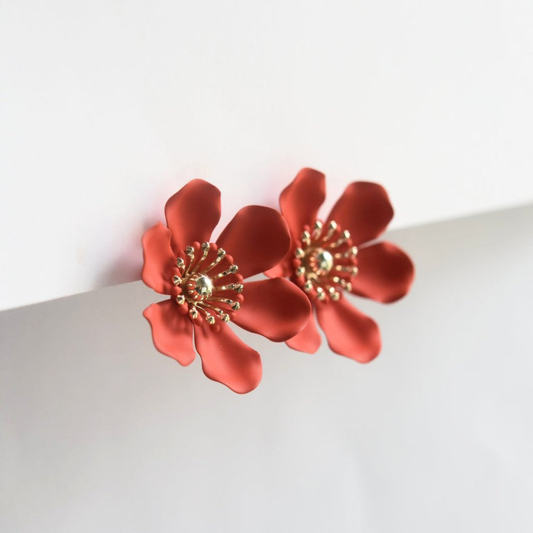 Flame Flower Studs - Goldmakers Fine Jewelry
