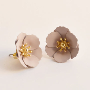 Poppy Stud Earrings in Rose