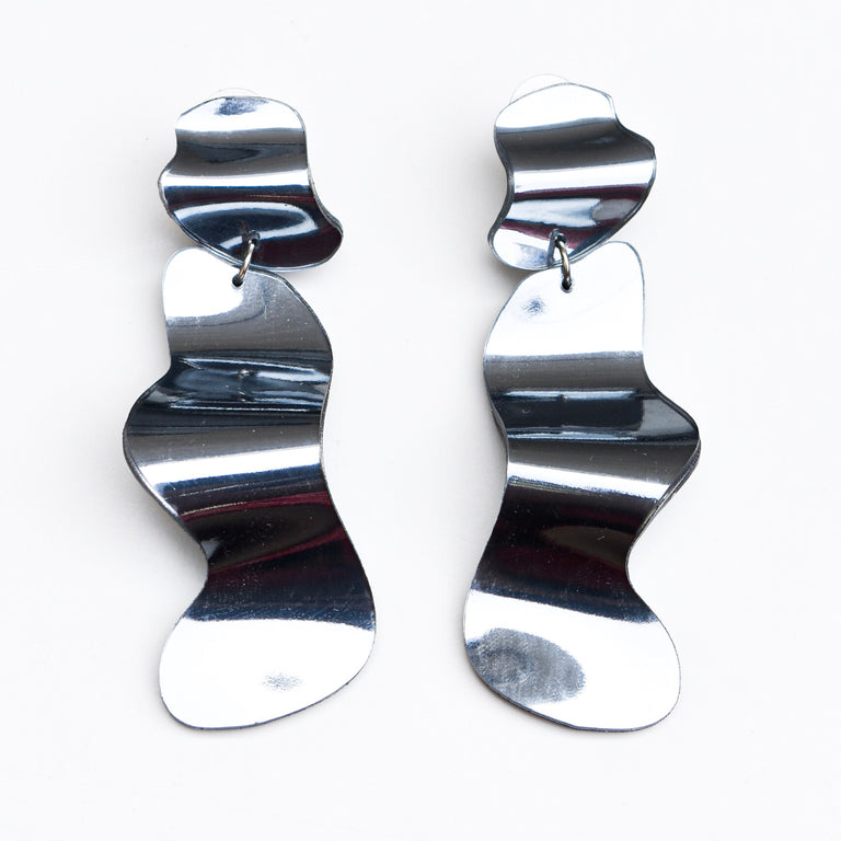 Reflective Silver Flow Long Earrings - Goldmakers Fine Jewelry