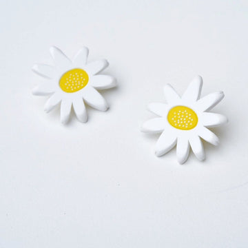 Daisy Post Earrings - Goldmakers Fine Jewelry