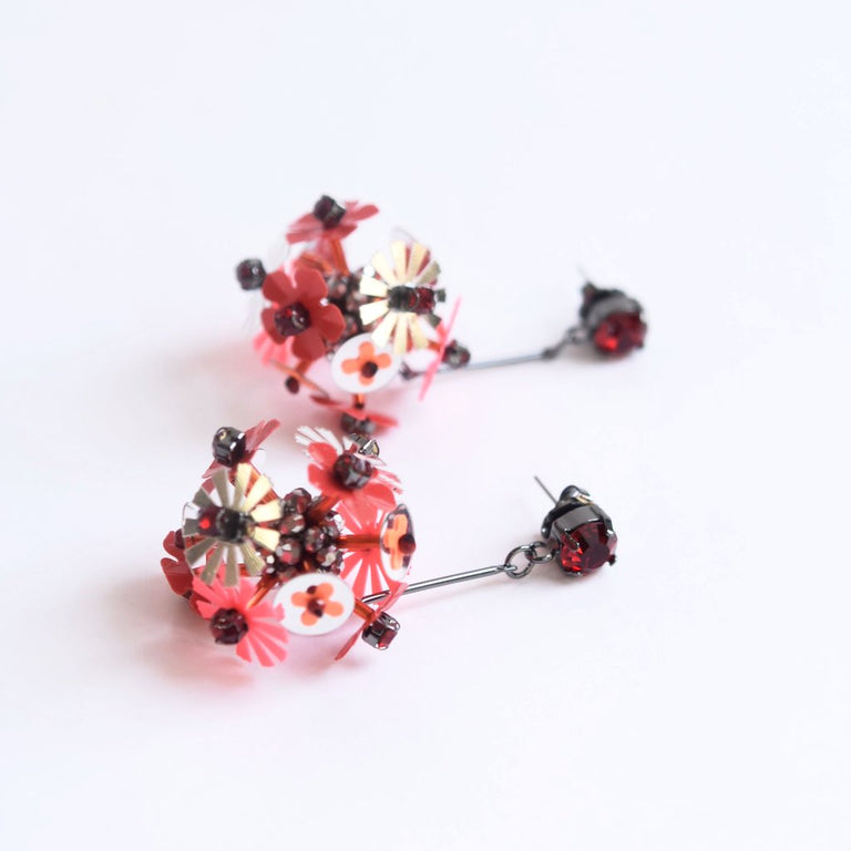 Red Flower Explosion Earrings - Goldmakers Fine Jewelry