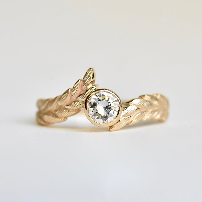 Diamond Wheat Solitaire Ring in Yellow Gold