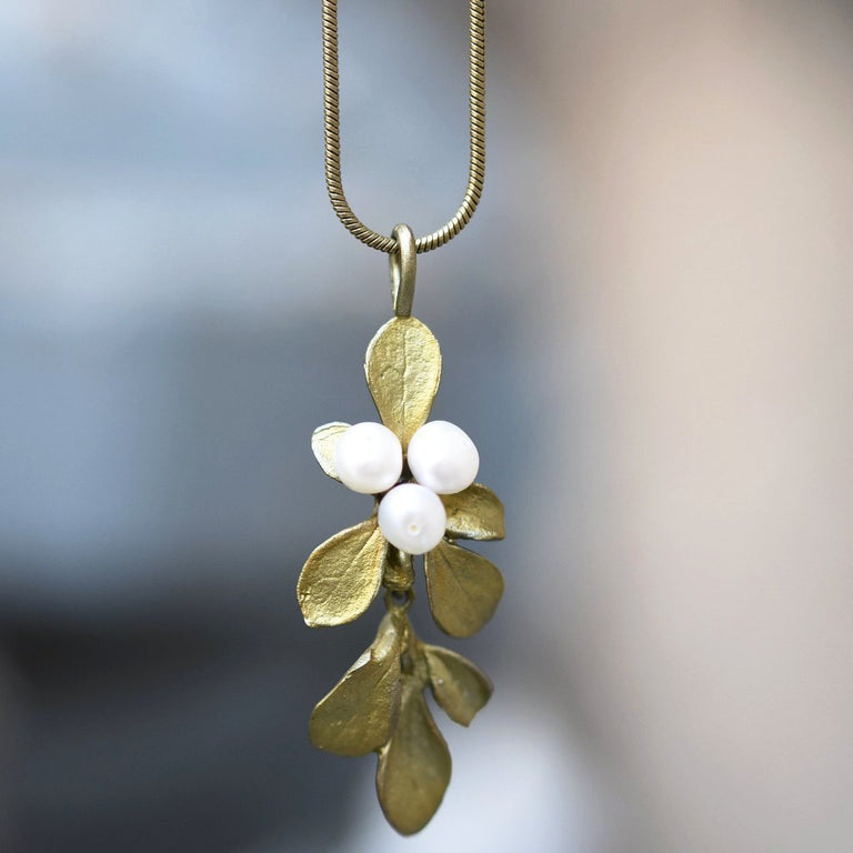 Barberry Pendant Necklace - Goldmakers Fine Jewelry