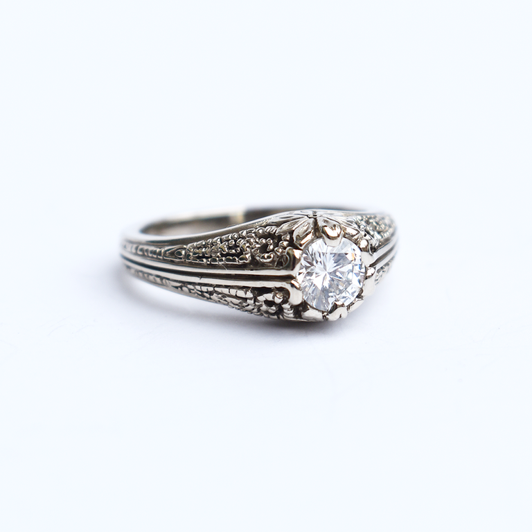 Diamond Engagement Ring in Vintage Style - Goldmakers Fine Jewelry
