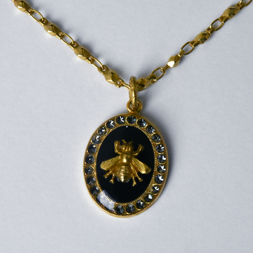 Oval Bee Pendant Necklace in Black - Goldmakers Fine Jewelry