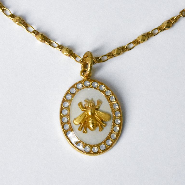 Oval Bee Pendant Necklace in White - Goldmakers Fine Jewelry