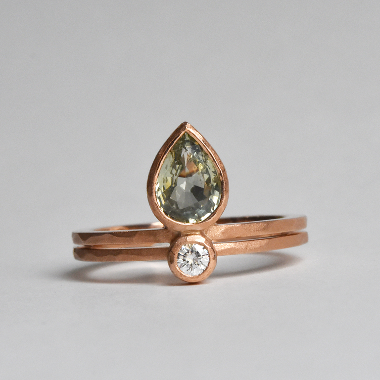 Little Flame Engagement Ring in Green Sapphire - Goldmakers Fine Jewelry