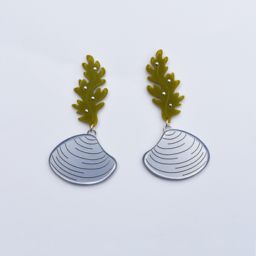 Kelp and Clam Earrings - Goldmakers Fine Jewelry