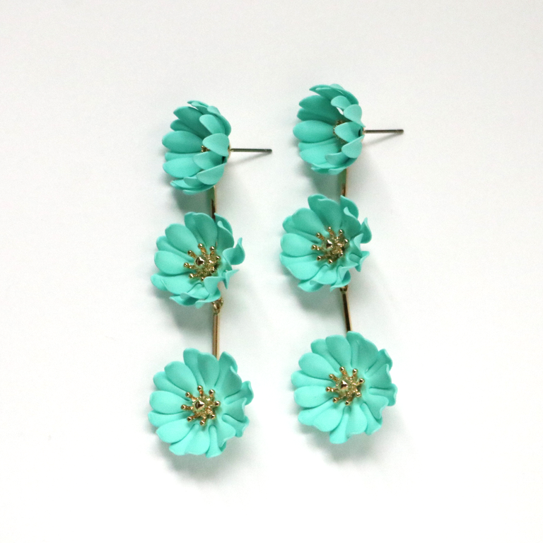 Mint Daisy Chain Drop Earrings - Goldmakers Fine Jewelry