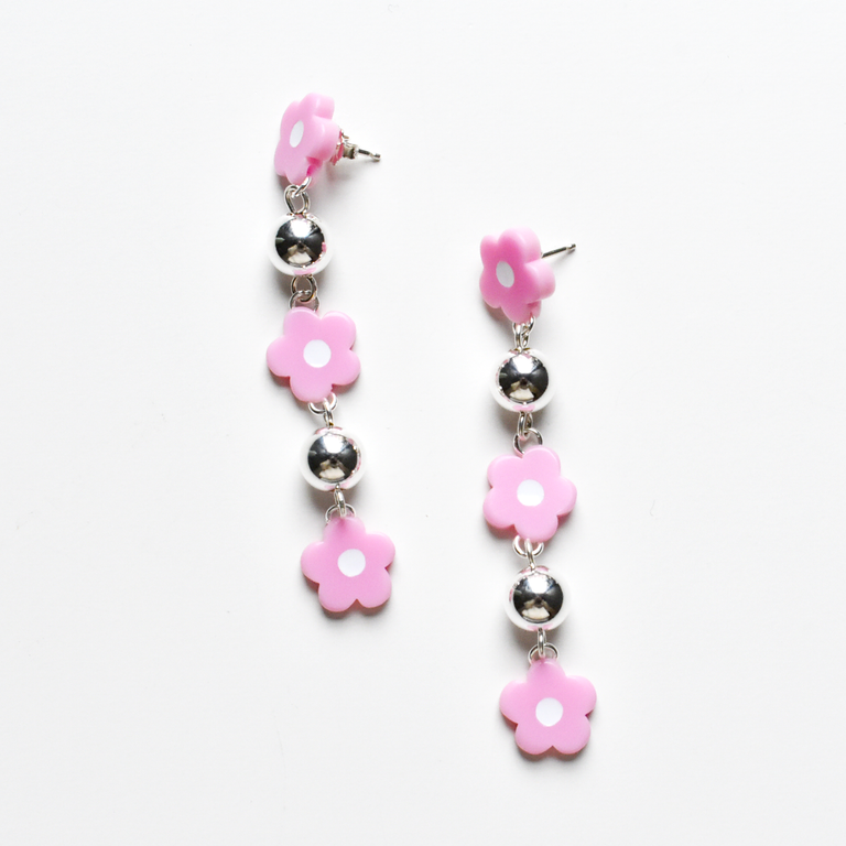 Mod Flower Drops in Lilac - Goldmakers Fine Jewelry