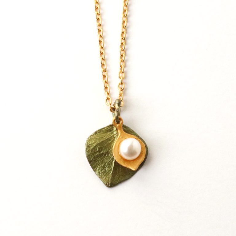 Round Leaf Eucalyptus Necklace - Goldmakers Fine Jewelry
