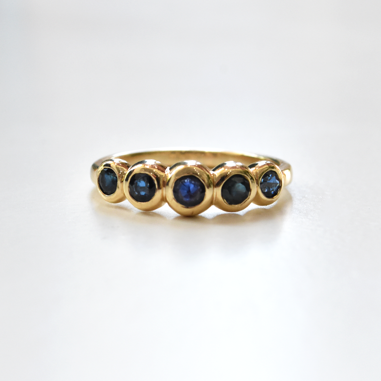 Blue Sapphire Engagement Ring - Goldmakers Fine Jewelry