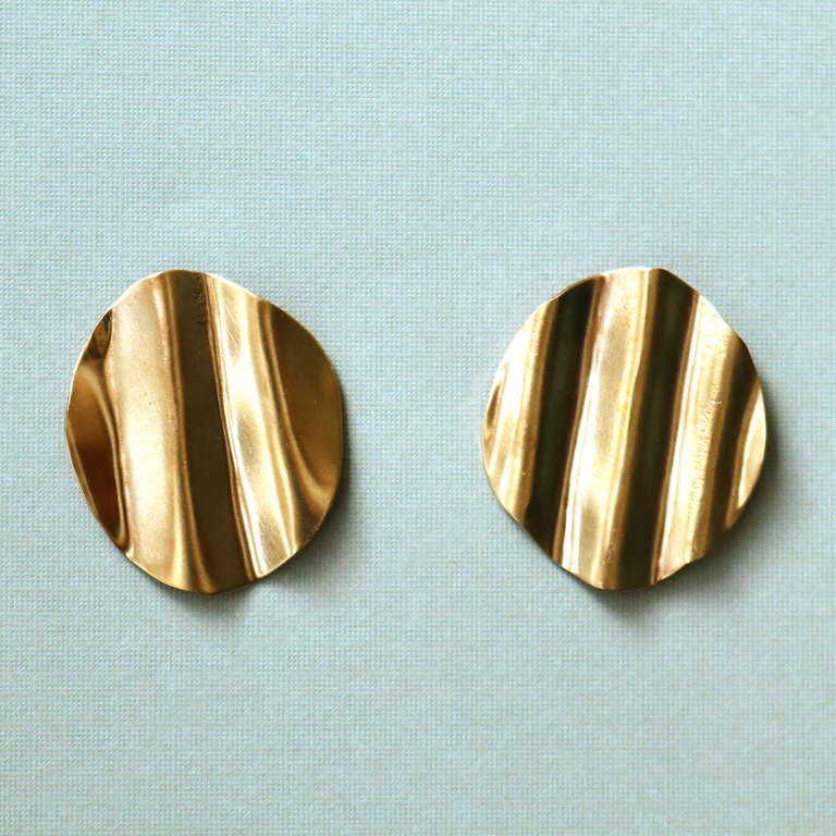 Small Ruffle Circle Earrings - Goldmakers Fine Jewelry