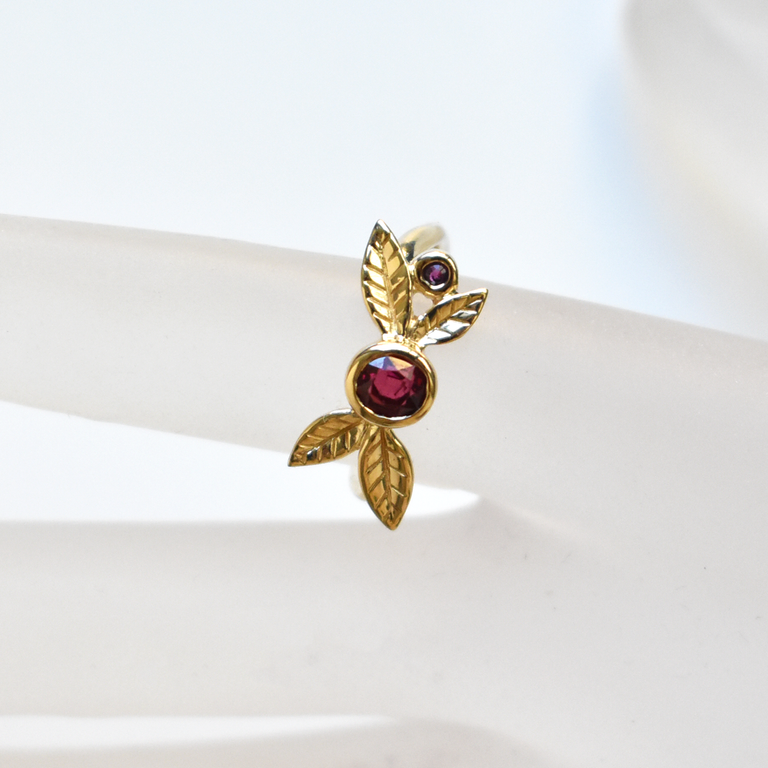 Spinel and Ruby Berry Ring in Yellow Gold - Goldmakers Fine Jewelry