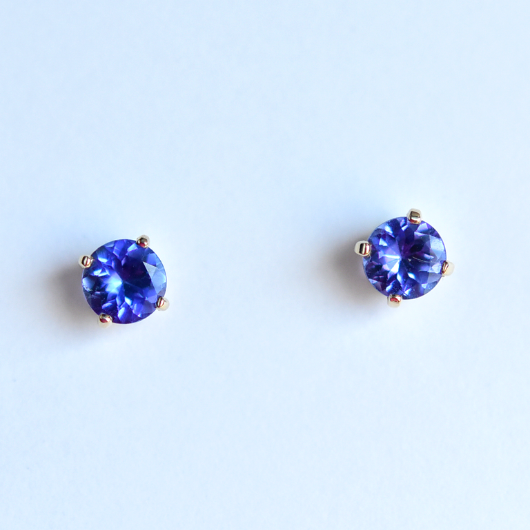 Gold and Tanzanite Post Earrings - Goldmakers Fine Jewelry