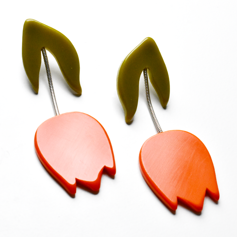 Tulip Drop Earrings in Tomato - Goldmakers Fine Jewelry