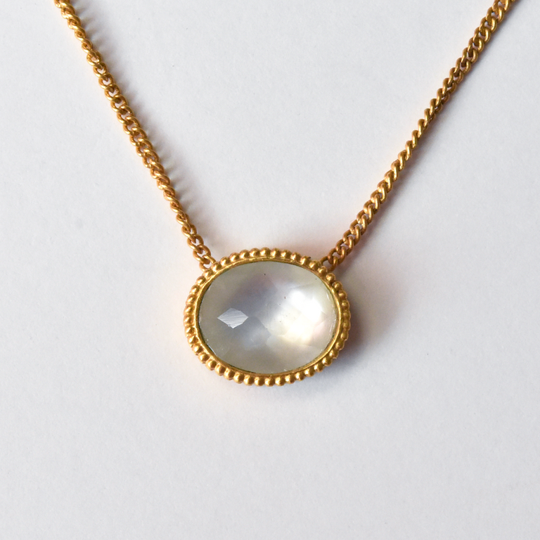 Verona Necklace in Mother-of Pearl - Goldmakers Fine Jewelry
