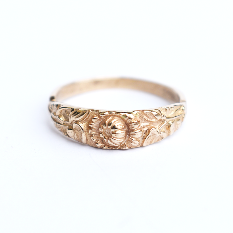 Victorian Bouquet Band in Gold - Goldmakers Fine Jewelry