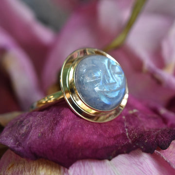 Moon Face Ring in Gold