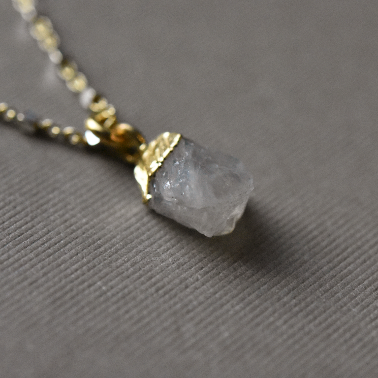 Raw Moonstone Pendant - Goldmakers Fine Jewelry