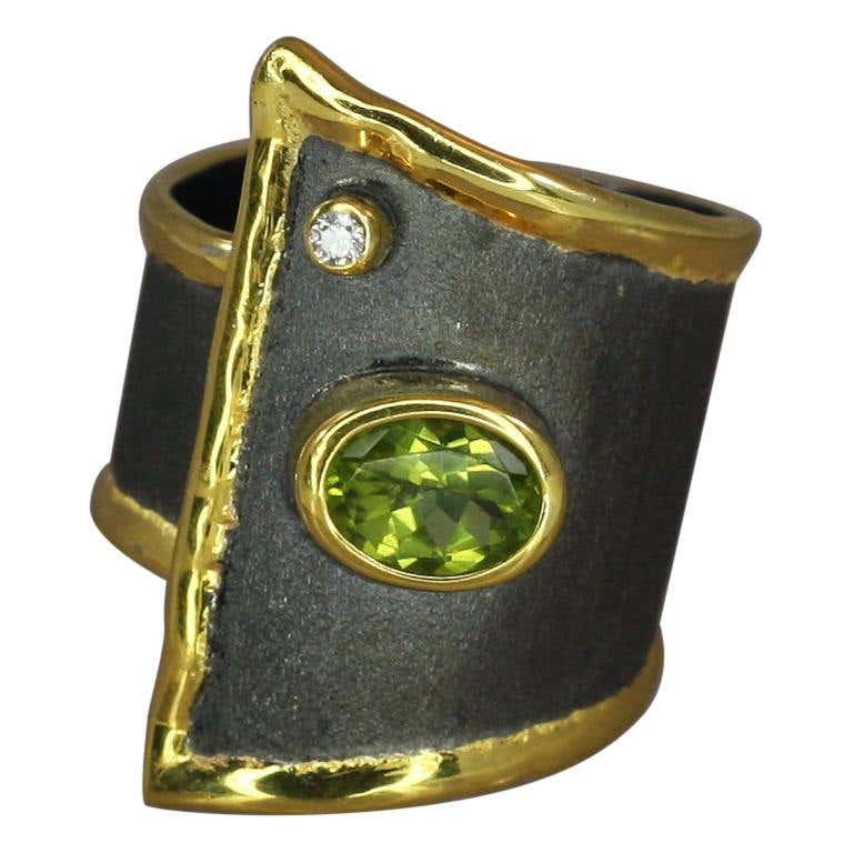 Eclyps Peridot and Diamond Ring in Fine Silver Rhodium and 24 K Gold