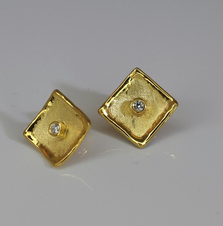 MIDAS Yellow Gold Stud Earrings with Diamonds