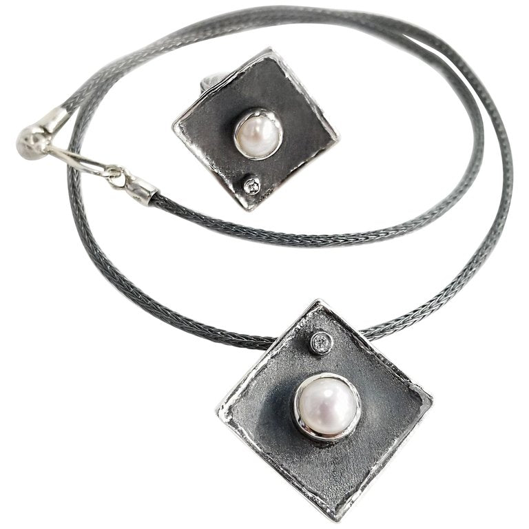 Hephestos Pearl and Diamond Set