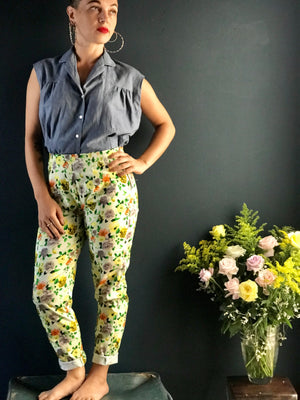 High waist rose pattern cigarette pants
